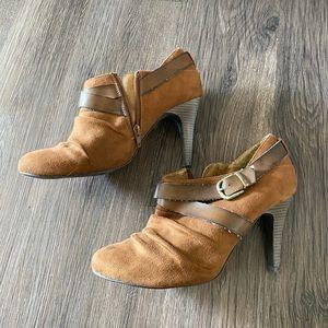 Super cute heels! Barely worn!
